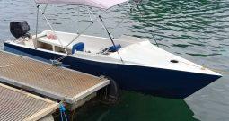 15 ft Fiberglass boat