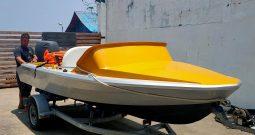 5ft Speedboat 90hp & trailer